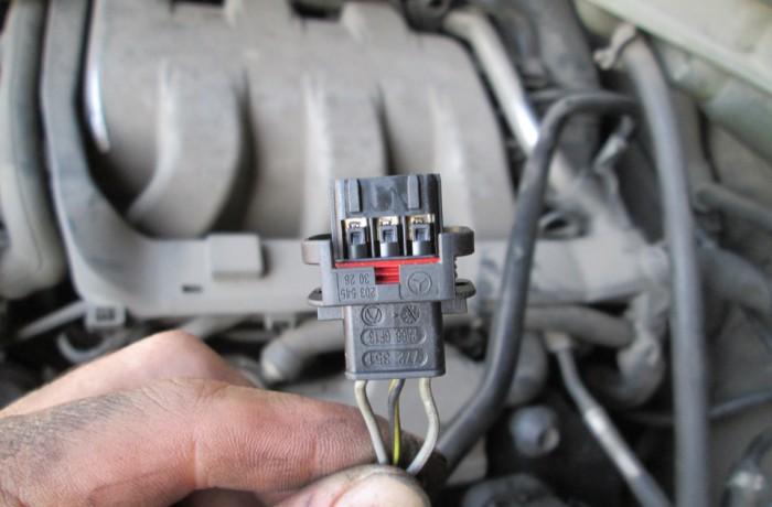 Замена разъемов катушек зажигания w163 M112